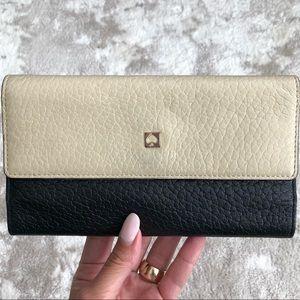 KATE SPADE ♠️ leather fold snap wallet black cream